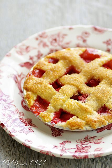 Sweetly beautiful little Strawberry Apple Pies. #pies #tarts #fruit #food #baking #dessert #strawberries #apples #French
