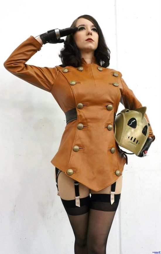 Female Rocketeer! I love that jacket/dress. (Too bad she doesn't have the jet pack, or pants though).  I get that they were going for pin-up here, but it mostly looks like she forgot to get completely dressed.
