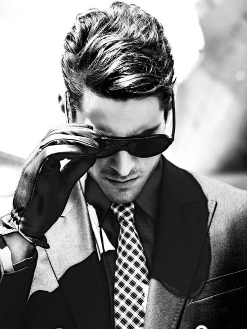 Mens Suit/Gloves/Shades