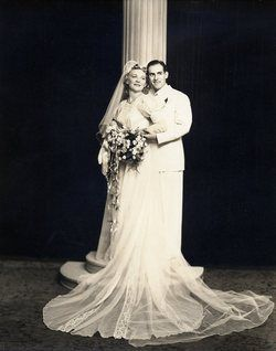 Fantastic wedding photo from 1941.