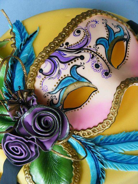 Venetian mask cake by bubolinkata, via Flickr