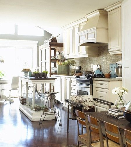 I wish I had this much space in my kitchen