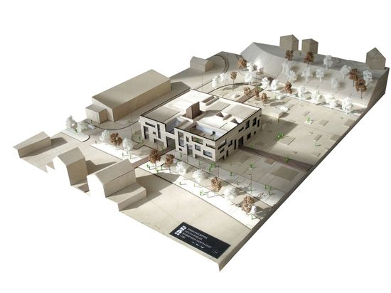 Green Incubator / Plus Three Architecture