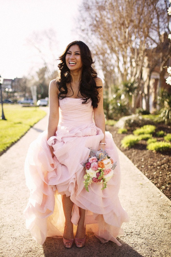 the best accessory for that pink Vera Wang www.davidsbridal.... is a beaming smile  Photography by freshinlove.com