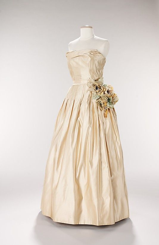 Dress, Evening  Attributed to House of Dior  (French, founded 1947)  Designer: Attributed to Christian Dior (French, Granville 1905–1957 Montecatini) Date: 1951 Culture: French Medium: silk