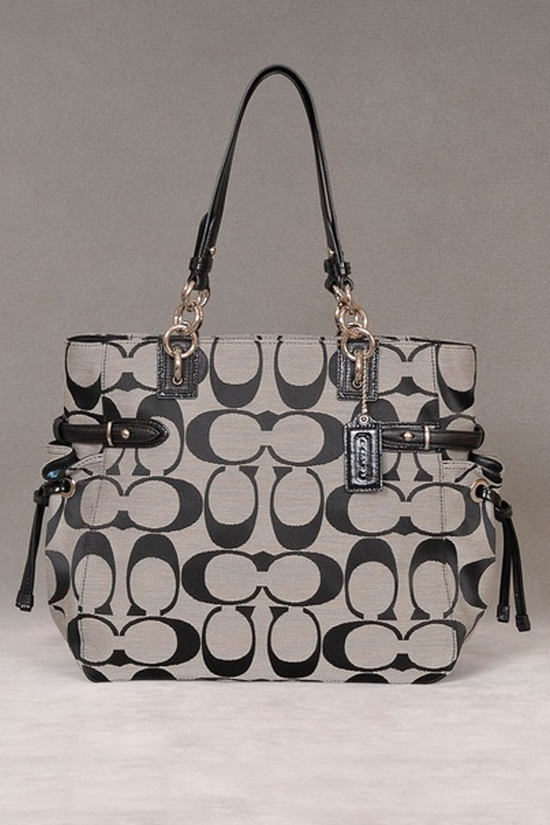 Coach Tote In Black And White.