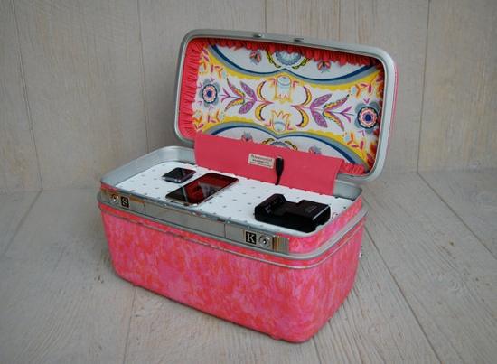 Vintage Samsonite Train Case Custom Charging Station by sugarSCOUT,