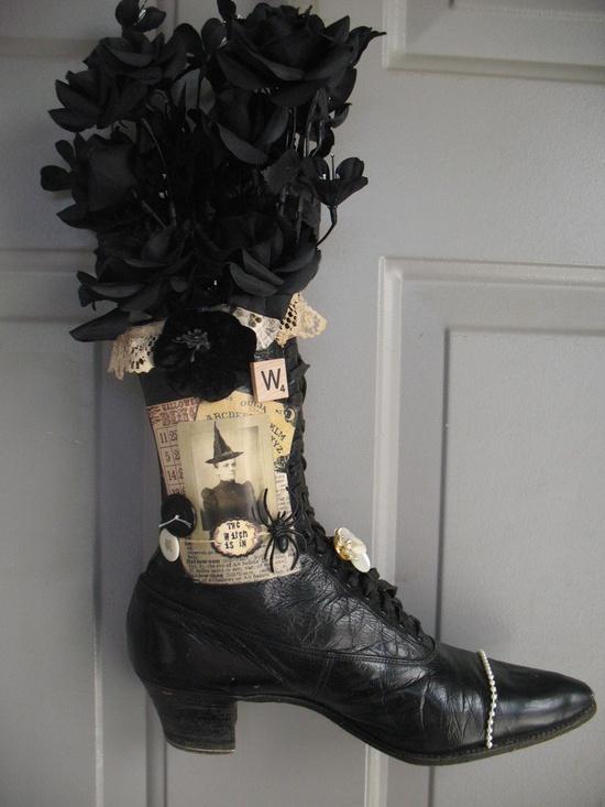 Witches Shoe door decor