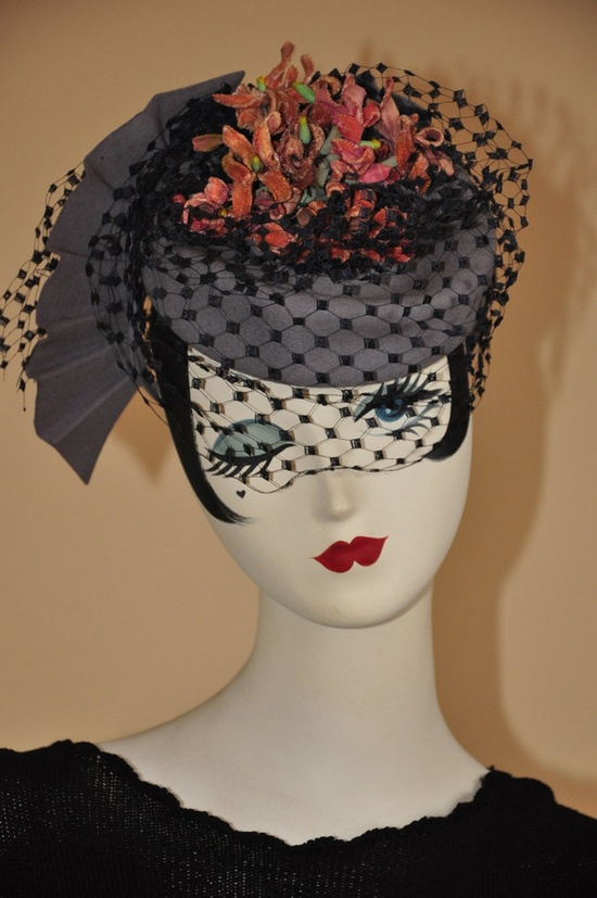 A striking grey and black 1940s hat with plenty going on wherever you gaze. #vintage #hats #fashion #1940s