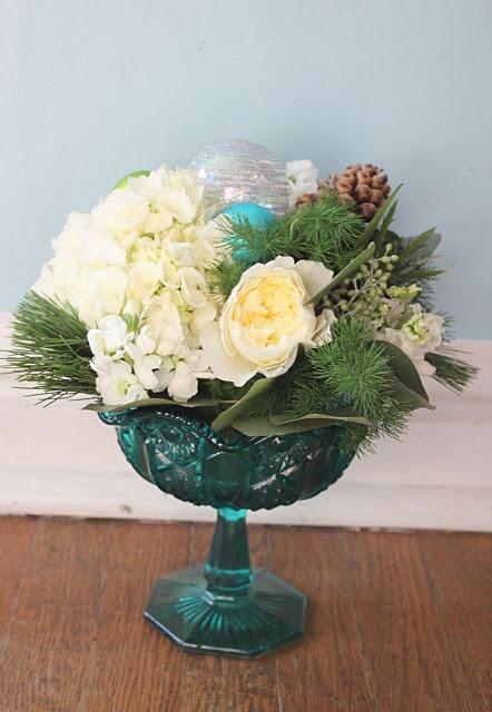 DIY: Holiday Flower Arrangements.
