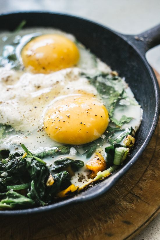 Baked Eggs with Spinach, Ricotta, Leek and Chargrilled Pepper by topwithcinnamon: Power breakfast! #Eggs #Spinach #Ricotta