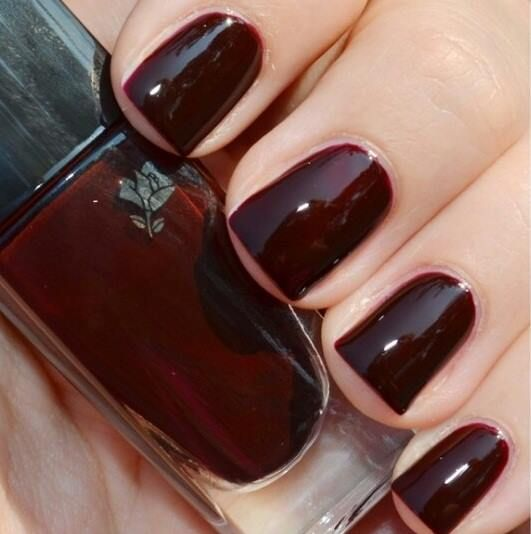 Fall Trend: Deep dark nails #LancomeLovesNails #VernisinLove #RougeReglisse #LancomeFall #mani #nails #manicure #Essie #OPI #ChinaGlaze -short nails -real nails - nail polish - sexy nails - pretty nails - painted nails - nail ideas - mani pedi - French manicure - sparkle nails -diy nails