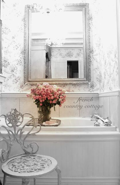 FRENCH COUNTRY COTTAGE: A Romantic Vignette