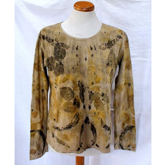 Long Sleeve Cotton Tshirt hand dyed with eco by Lalazooartelier, €57.00
