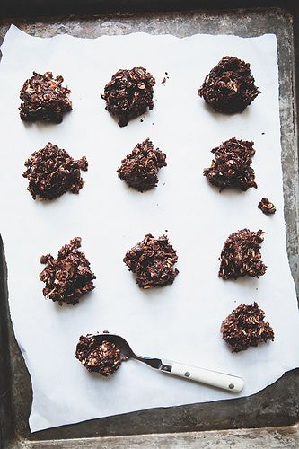 no bake chocOlate coconut almond cookies
