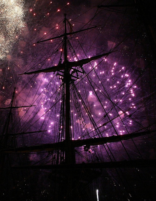 New Year's Eve fireworks display. HMS Bounty. via flickr by captainsmurf