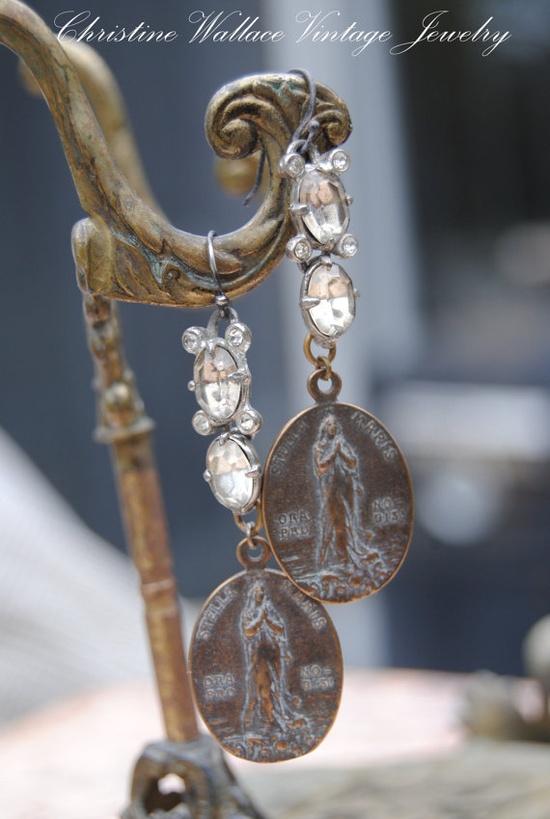 vintage treasures earrings
