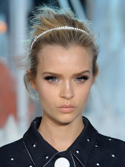 Louis Vuitton {love the headband} #hair