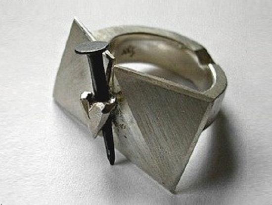 Kathleen Hennemann - symbole -  #nails #clous