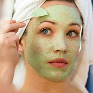 HOW TO PAMPER YOUR FACE WITH FACIAL MASKS