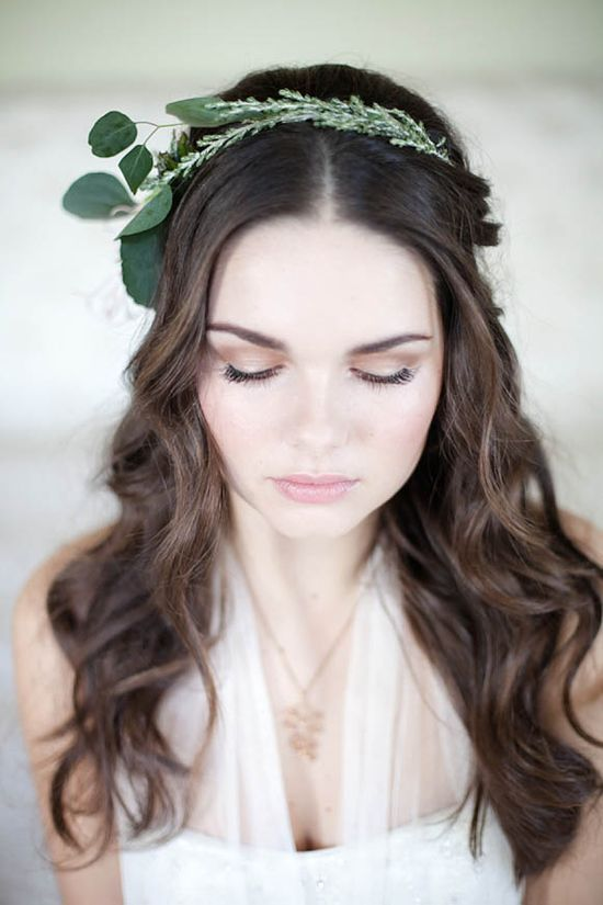 Classic and Romantic Hair and Makeup ideas for Brides