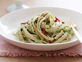 Fettuccine with Broccoli Pesto and Sun-dried Tomatoes (Bobby Deen)
