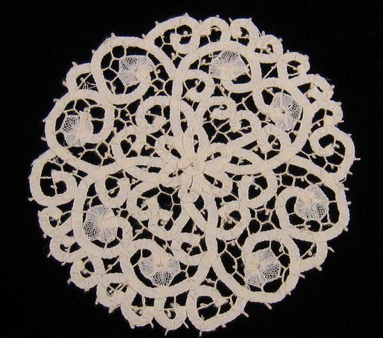 hand made Italian Cantu lace doilie