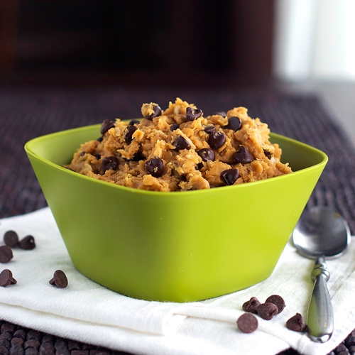 Healthy Chocolate Chip Peanut Butter Cookie Dough: don't know if i believe this, but i sure as hell want to try it!