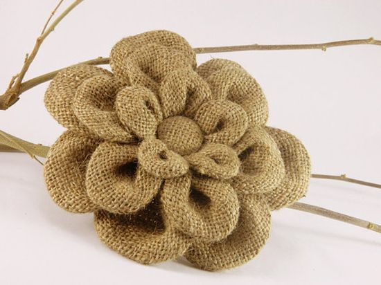 Flor de arpillera triple