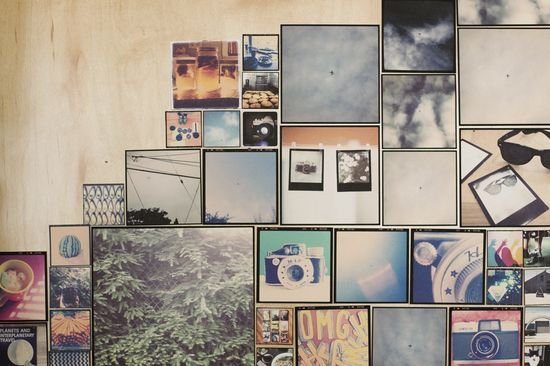 5 Fantastic DIY Ways To Take Your Cell Photos Off-Screen - 5. A cell phone photo wall at home