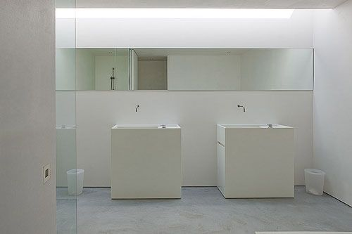 Clean and minimal bathroom.
