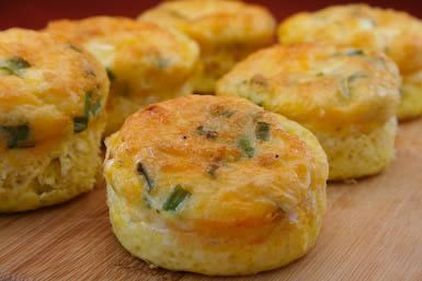 egg muffins = zero carbs + lots of protein. Healthy breakfast for on the go!