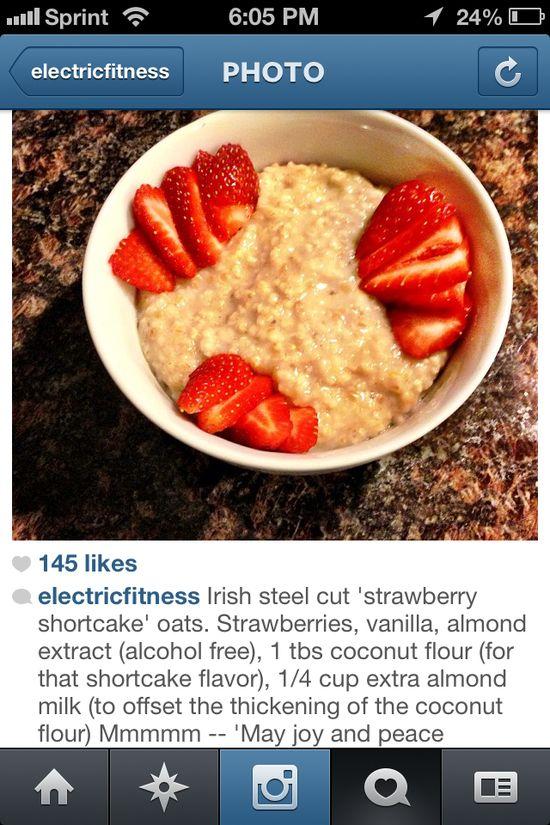 Strawberry shortcake oats
