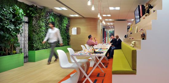 The Colorful Offices of Cheil