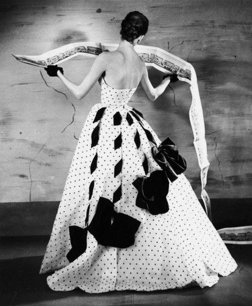 Such an immensely interesting 1950s evening gown. #vintage #fashion #1950s #gown #dress #polka_dots