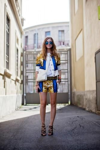 Perfect outfit finder: 5 ways to wear metallic sunglasses (Photo by Christian Vierig)