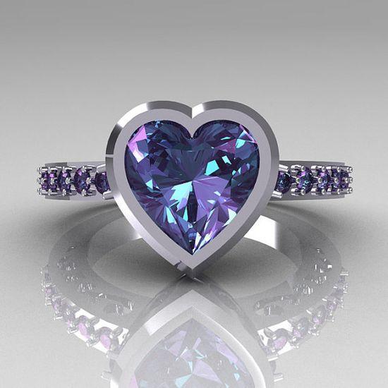 ? 14K White Gold 2.10 Carat Heart Alexandrite Ring ?