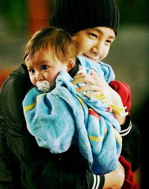 """Baby and Me"". Amazing korean movie =). Love that picture ?"