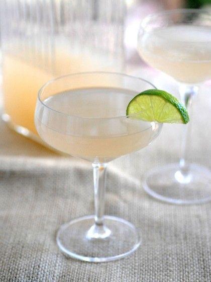 The Hemingway Daiquiri: grapefruit juice + white rum + lime juice + maraschino liqueur