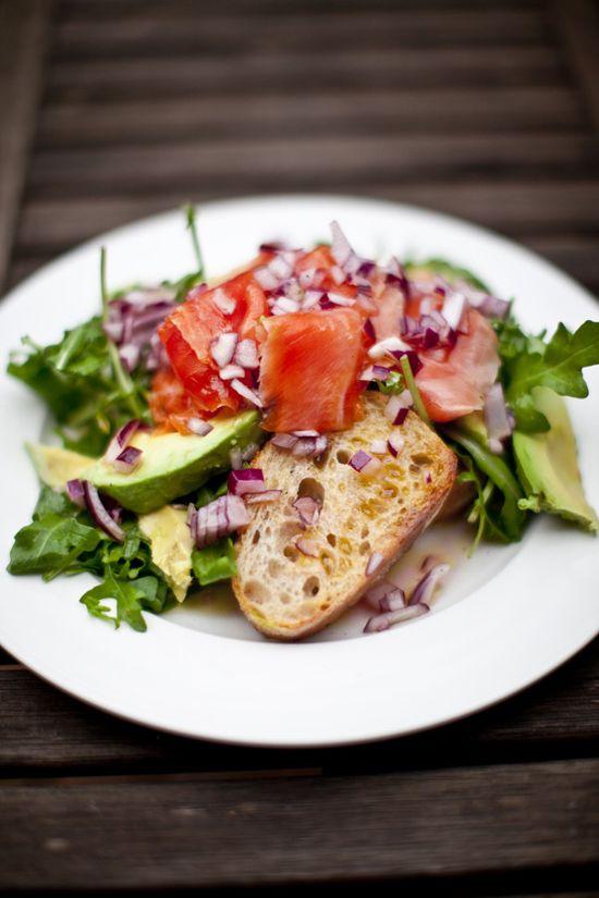 smoked salmon + avocado salad = yum!