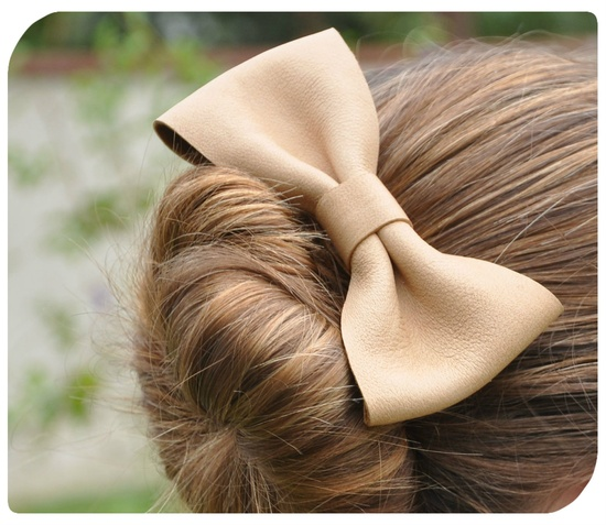 to make: leather hair bow