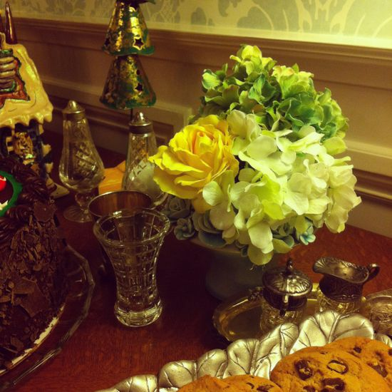 A simple flower arrangement on the dessert table at Christmas.