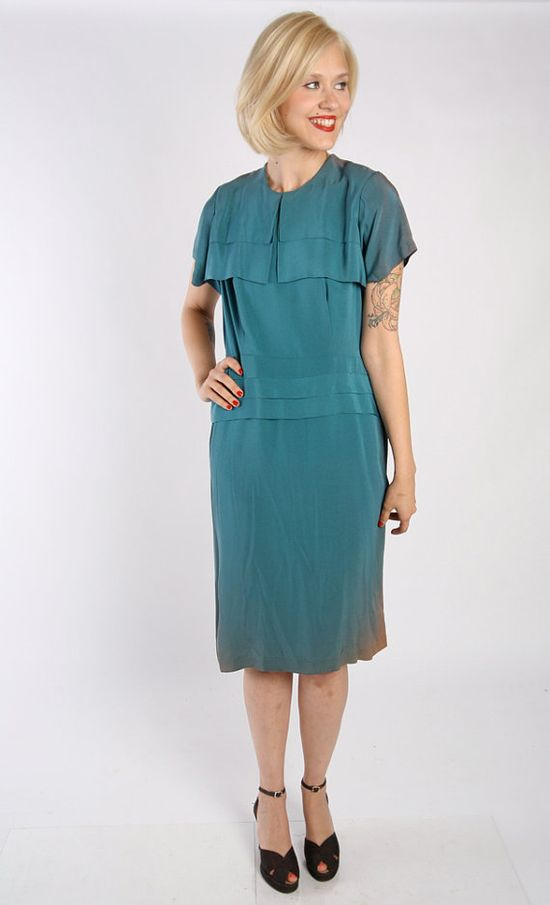 1940s Dress // vintage 40s half size dress // par dethrosevintage, $89.00