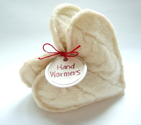 Pocket Hand Warmers made with leftover fabric and rice. Heat for 25 seconds in microwave. Cute Christmas gifts for neighbors, teachers & friends!