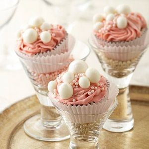 Ring in the new year by making a batch of these champagne cupcakes (topped with a champagne frosting). Cheers!