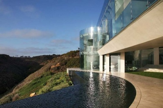 Luxury House Design With Beautiful Sea Views by Wallace E. Cunningham