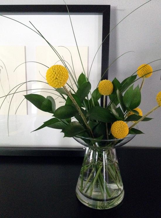 Simple flower arrangement by @jensie jean via take2theyresmall.com