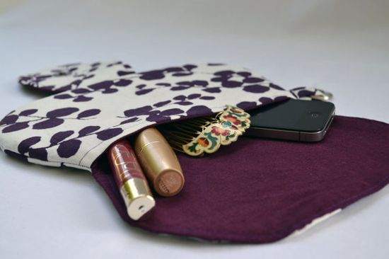 Plum leaf clutch purse zippered pouch clutch fall by ValkinThreads, $25.00  #clutch #purse #pouch #fall #leaves #plum #backtoschool #makeupbag #cosmeticbag #purple