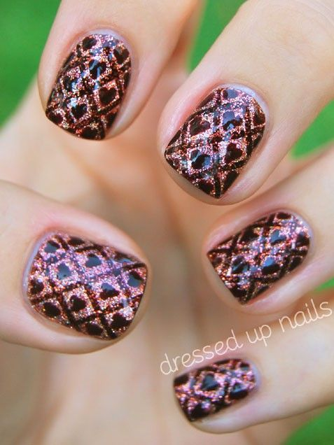 Valentine's Day Nails in Wallpaper Hearts Nails #ValentinesDay #nails #nailart
