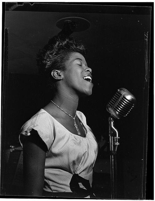 Gottlieb Jazz Photos: Portrait of Sarah Vaughan, Café Society (Downtown)(?), New York, N.Y., ca. Aug. 1946